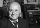 muere lord montagu